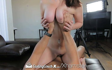 HD CastingCouch-X - Sweet Brooke Wylde shows big boobs