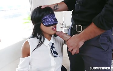 Blindfolded playful hottie Ember Snow is expectant to be fucked missionary
