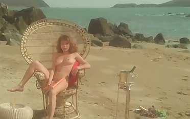 Soft downtrodden 1977 movie Vanessa - nice distended nipples coupled with full frontal bush