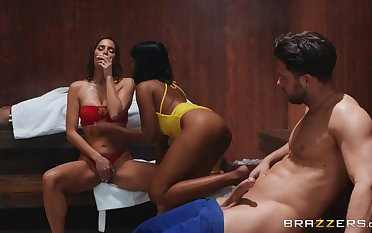 Relaxing time in sauna turns to hard threesome with Jenna Foxx